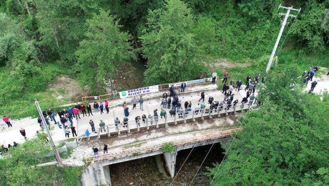 """Više od 300 ljudi blokiralo most na Neretvici: """"Za reku spremni dati život!"""""""